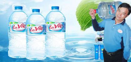 van-chuyen-nuoc-suoi-lavie