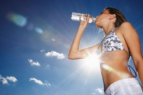 Kết quả hình ảnh cho uống nước khoáng
